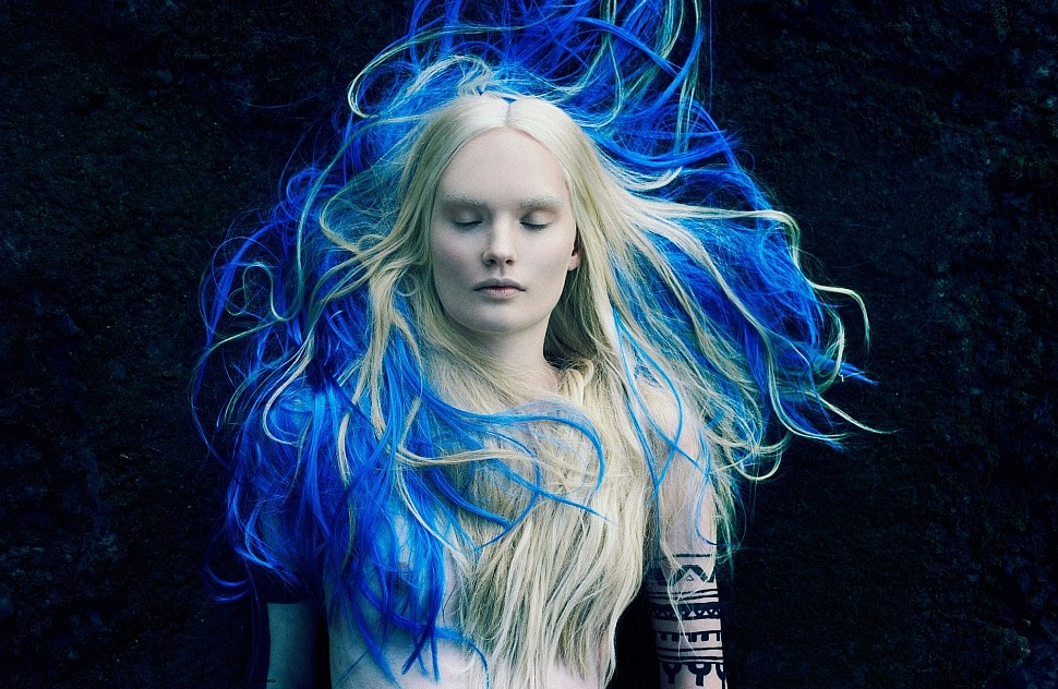 купить синюю краску для волос. фото девушек с синими волосами